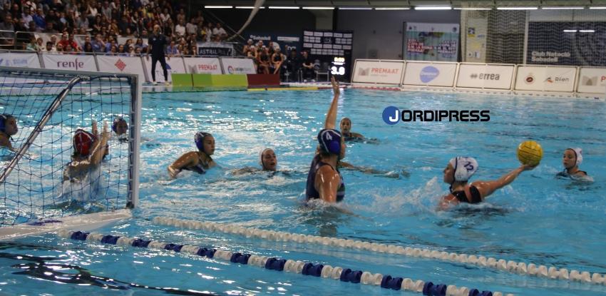 El CN Sabadell gana al Mediterrani (10-6) en el clásico copero