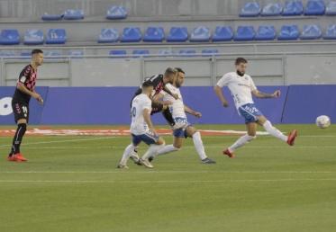El Sabadell respira tras ganar en Tenerife (1-2)